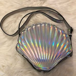 Irredentist Shell purse - only used a couple times